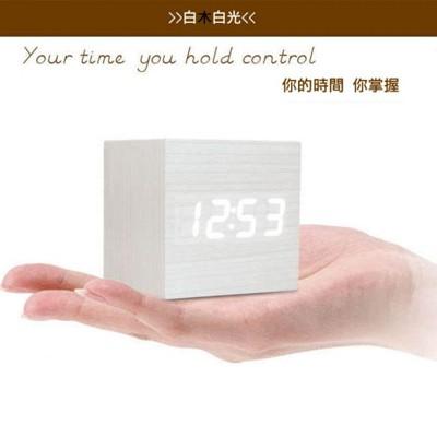 韓國熱銷聲控喚醒顯示木質LED鬧鐘 (4.3折)