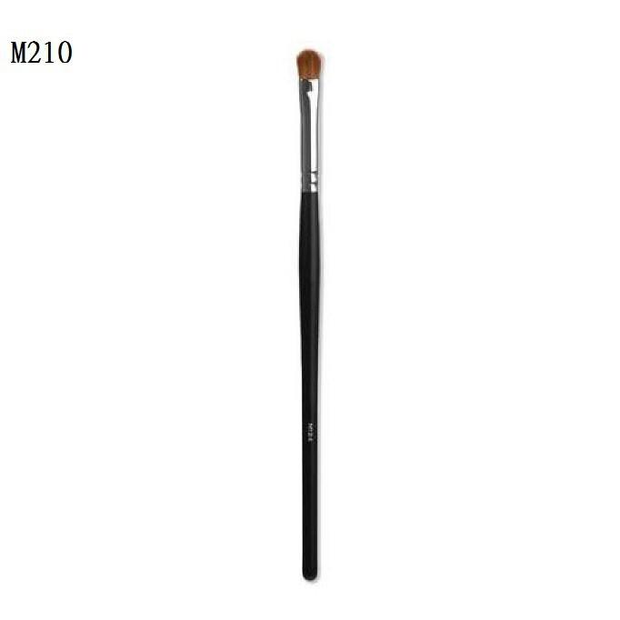 愛來客美國 morphe m210 - small chisel fluff 眼褶眼影刷 眼影刷