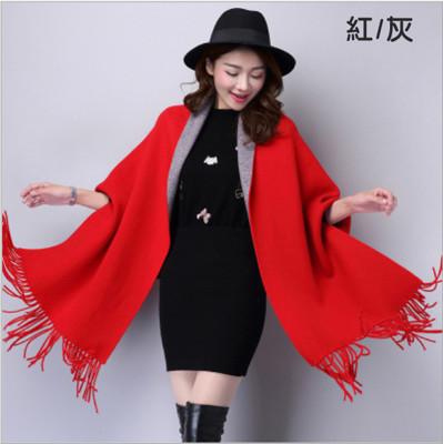 秋冬時尚羊絨雙面帶袖流蘇披肩 (4.4折)