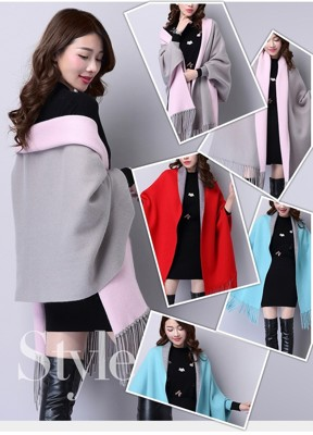 秋冬時尚羊絨雙面帶袖流蘇披肩 (4.7折)