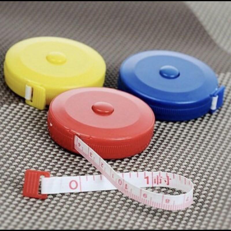 精美伸縮型塑膠捲尺(顏色隨機) 小巧量衣尺子 多用途小卷尺腰圍尺 頭圍量尺, 小朋友身高尺