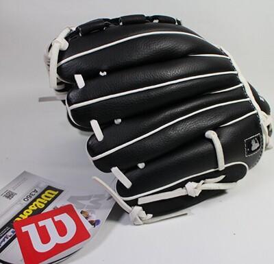 WILSON A360 10吋手套 少年手套 左手戴 右投 黑 V字密封型 WTA03RB1710 (8.4折)