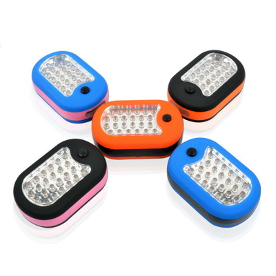 【LIFECODE】磁性小型壁掛燈(24+3LED燈)手拿燈/野營燈/防災必備(不挑色) LC410 (1.4折)