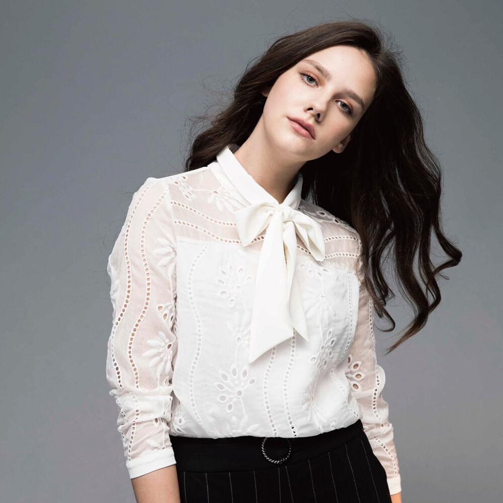自創專櫃品牌 hedy領口蝴蝶結雪紡蕾絲刺繡上衣 (白色)(f)