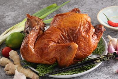 鮮味達人-煙燻甘蔗雞全雞 (6.5折)