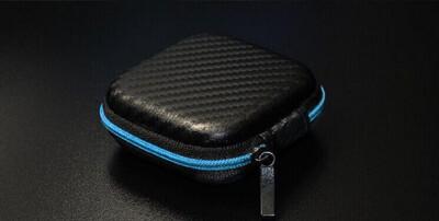 艾比讚 耳機收納盒【L424】高檔皮革耳機收納包 耳機便攜包 防壓 防震 EVA耳機包 數據線 (2.4折)
