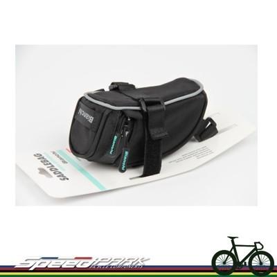 【速度公園】義大利 BIANCHI SADDLEBAG 自行車座墊包 M號 反光 束帶 車尾包 椅墊 (10折)