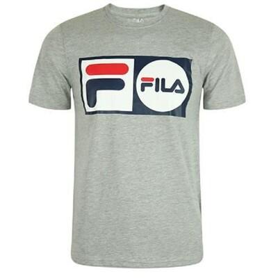 FILA 美國進口 運動品牌 男生LOGO T-SHIRT 短袖上衣 圖T 短T LM913788 (8.9折)