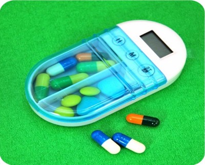 電子定時提醒隨身藥盒 (3.3折)