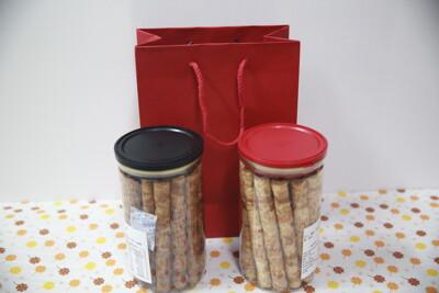 七號倉儲~就賀呷蛋捲易開罐 (6.4折)