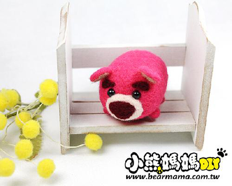 r01006 小熊媽媽 迪士尼人物 1入  羊毛氈材料包 熊抱哥