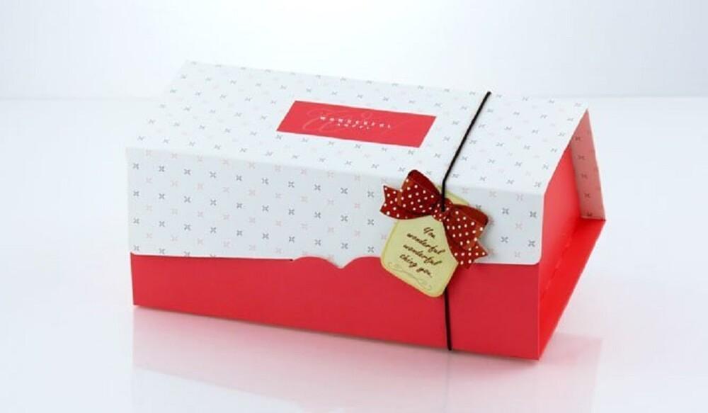 20cm 生乳捲蛋糕盒 彌月蛋糕盒 蛋糕捲紙盒 奶凍捲盒 包裝盒 附吊卡+船盒+彈性繩c024
