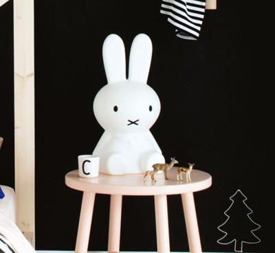 Miffy米菲兔坐姿擁抱燈 【50cm高】 可愛療癒造型LED夜燈 (7.5折)