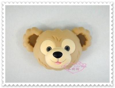 ♥小花花日本精品♥《Disney》迪士尼 達菲熊 大頭造型磁鐵 冰箱磁鐵 香港限定90212103 (4.6折)
