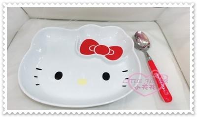 ♥小花花日本精品♥ Hello Kitty立體造型蝴蝶結陶瓷盤頭型盤附湯匙紅色蝴蝶結11157403 (7折)