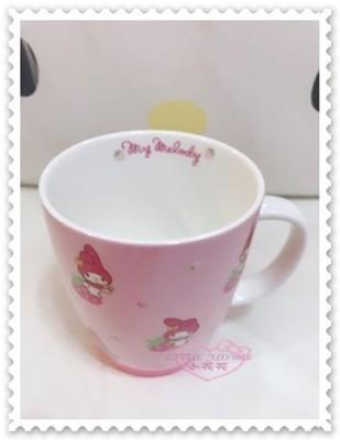 ♥小花花日本精品♥《Melody》美樂蒂 陶瓷杯 飲料杯馬克杯 茶杯水杯粉色坐姿草莓45603303 (7.5折)