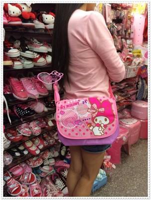 小花花日本精品♥Hello Kitty 美樂蒂 斜背包 兒童側背包 平板電腦包 42079903 (7.3折)