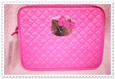 ♥小花花日本精品♥ Hello Kitty 桃色菱格紋 耐撞 防汙 保護性佳 電腦包 電腦袋 (5.6折)