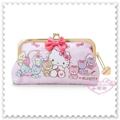 小花花日本精品♥Hello Kitty珠扣化妝包 化妝包 收納包 小物包 滿版圖 42214601 (5.9折)