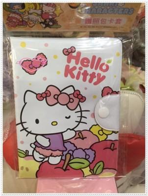 小花花日本精品♥ Hello Kitty 護照套 護照包 卡片套 (4.1折)
