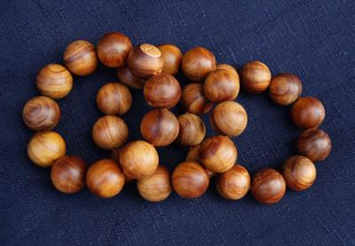 台灣肖楠20mm沈水手珠  收藏者必備  原木佛珠 佛珠 純天然肖楠木 11顆 重約50克 (6.8折)