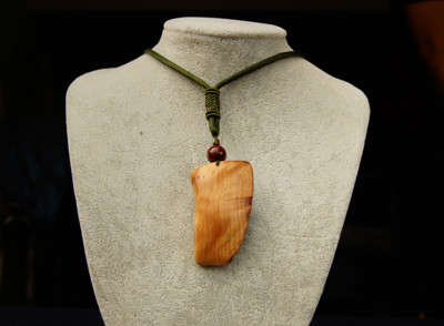 C165台灣紅檜瘤閃花項鍊.原木吊飾.檜木原木項鍊 (6.6折)