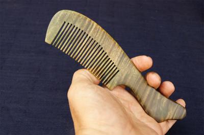 綠檀木梳.天然綠檀木梳子~原木梳 (6.5折)