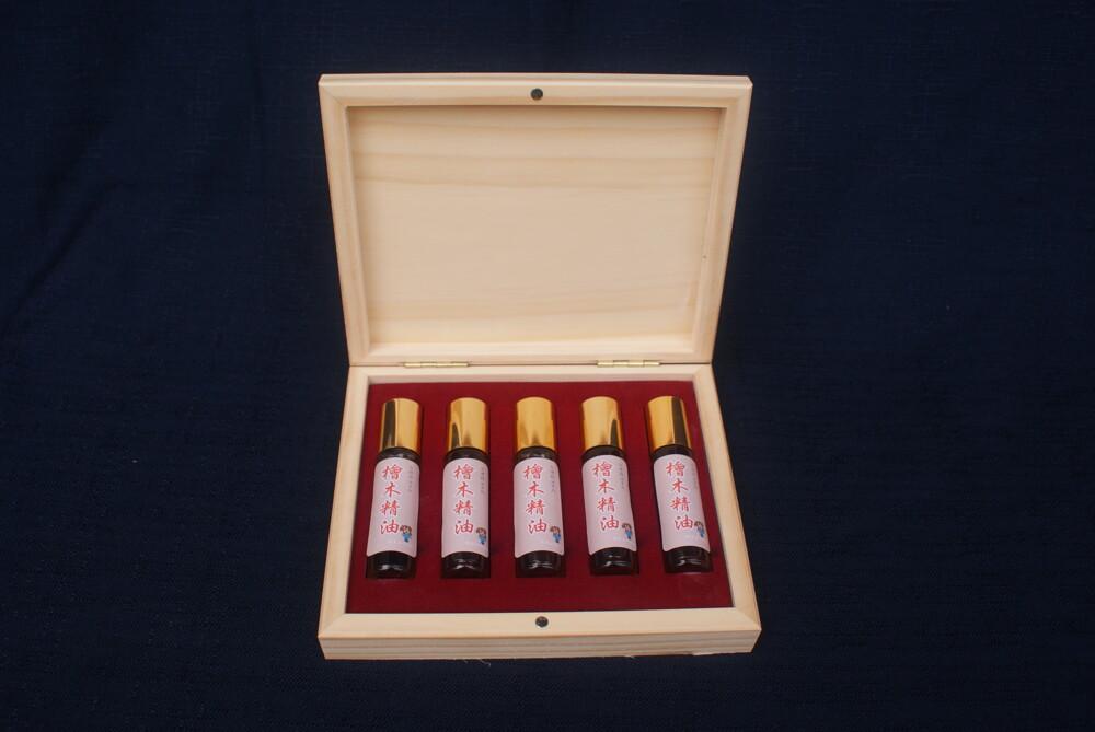 台灣國寶阿里山檜木精油10ml 5入精緻木盒組檜木芬多精的氣息!