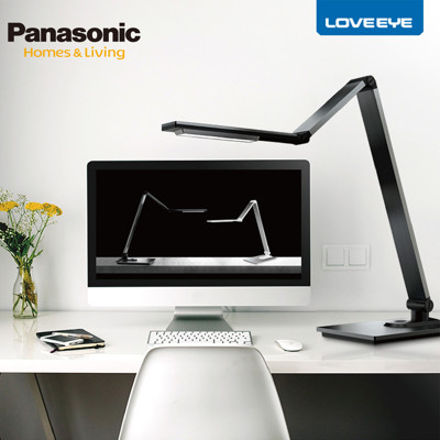 Panasonic 國際牌 觸控式四軸旋轉LED護眼檯燈 HH-LT061709 (灰色) (9.1折)