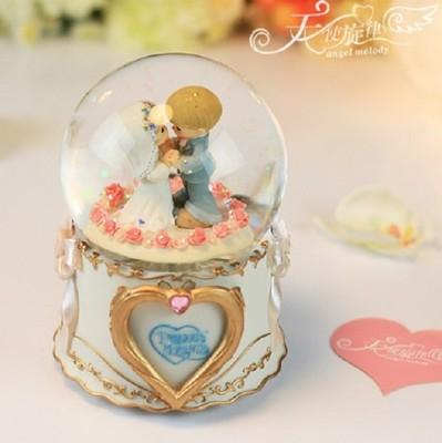 水滴娃娃相框結婚水晶球音樂盒新婚禮物實用婚禮禮物創意 (9.4折)