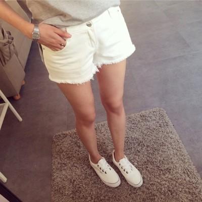 韓版顯瘦高腰白短褲 (3.8折)