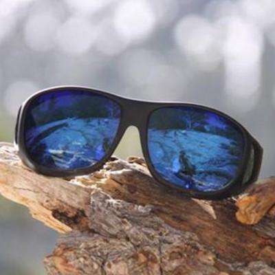 【樂活動】美國COCOONS專業包覆式偏光太陽眼鏡 (黑框/綠鍍膜琥珀鏡片) (8.9折)
