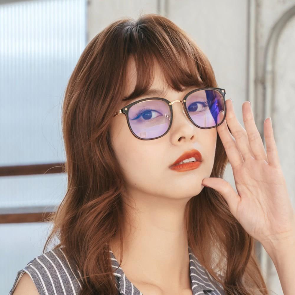 質感復古設計杏仁棕方框uv400濾藍光眼鏡| 曼徹斯特的天際漫遊alegant